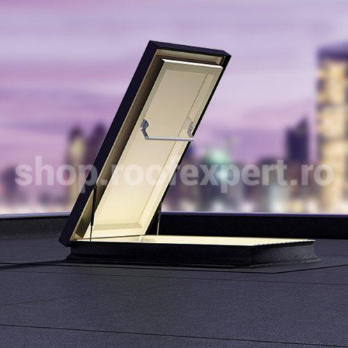 Trapa de acces pe acoperis tip terasa FAKRO DRL
